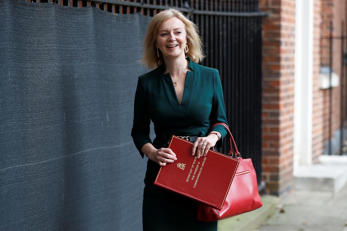 Liz Truss abandona Downing Street.