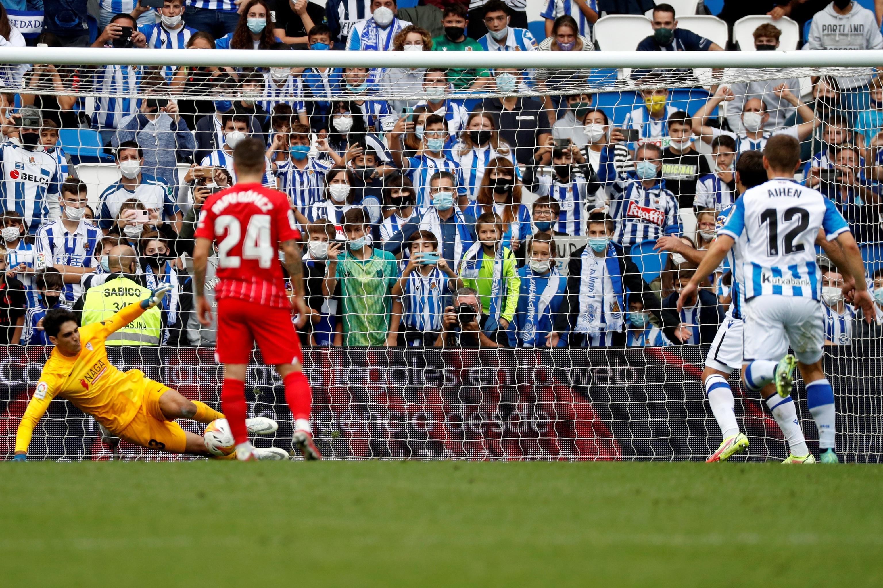 Oyarzábal falla el penalti.
