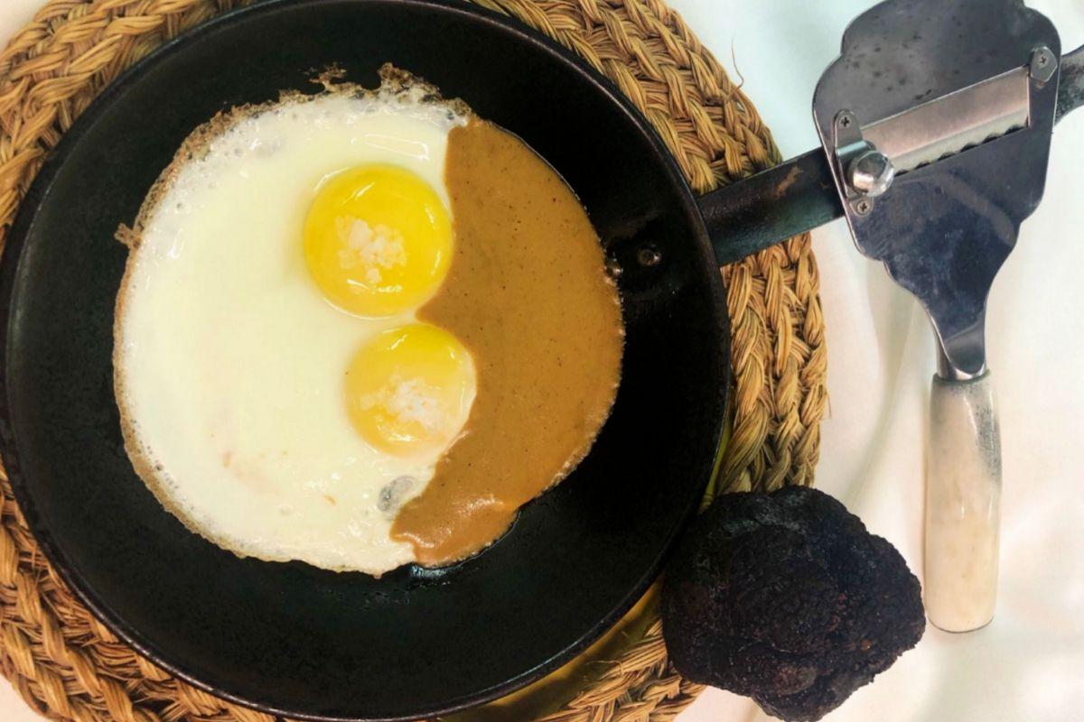 Los famosos huevos sobre mousse de hongos y trufas de Abraham.