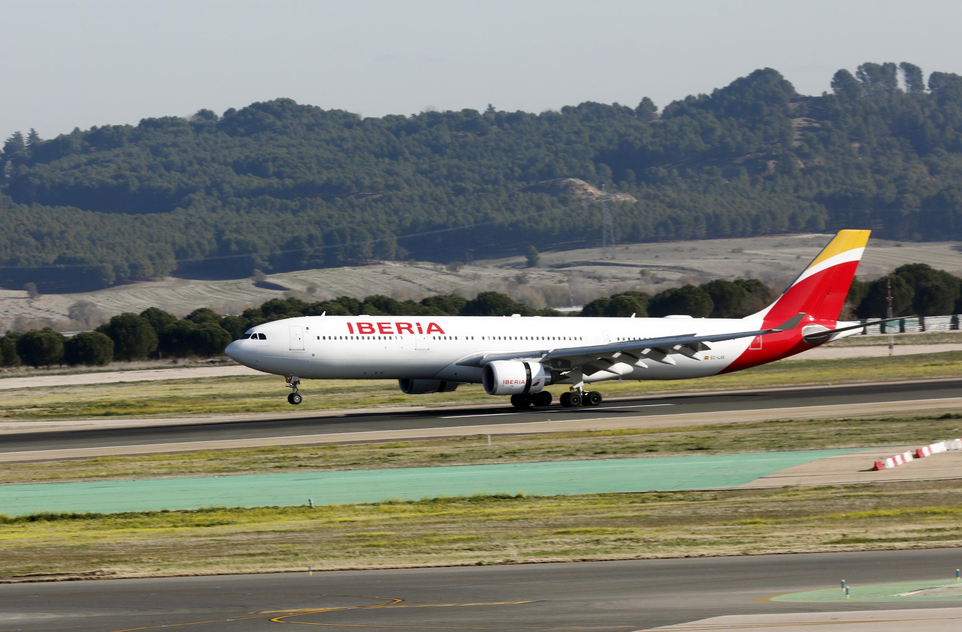 Un avión de Iberia en el aeropuerto Adolfo Suárez Madrid-Barajas.