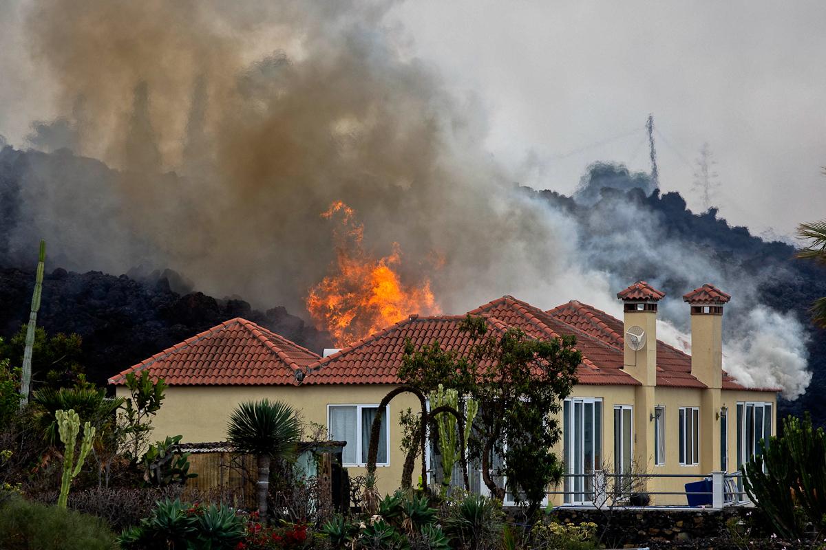 Una de las viviendas de El Paraíso, devastada por las llamas
