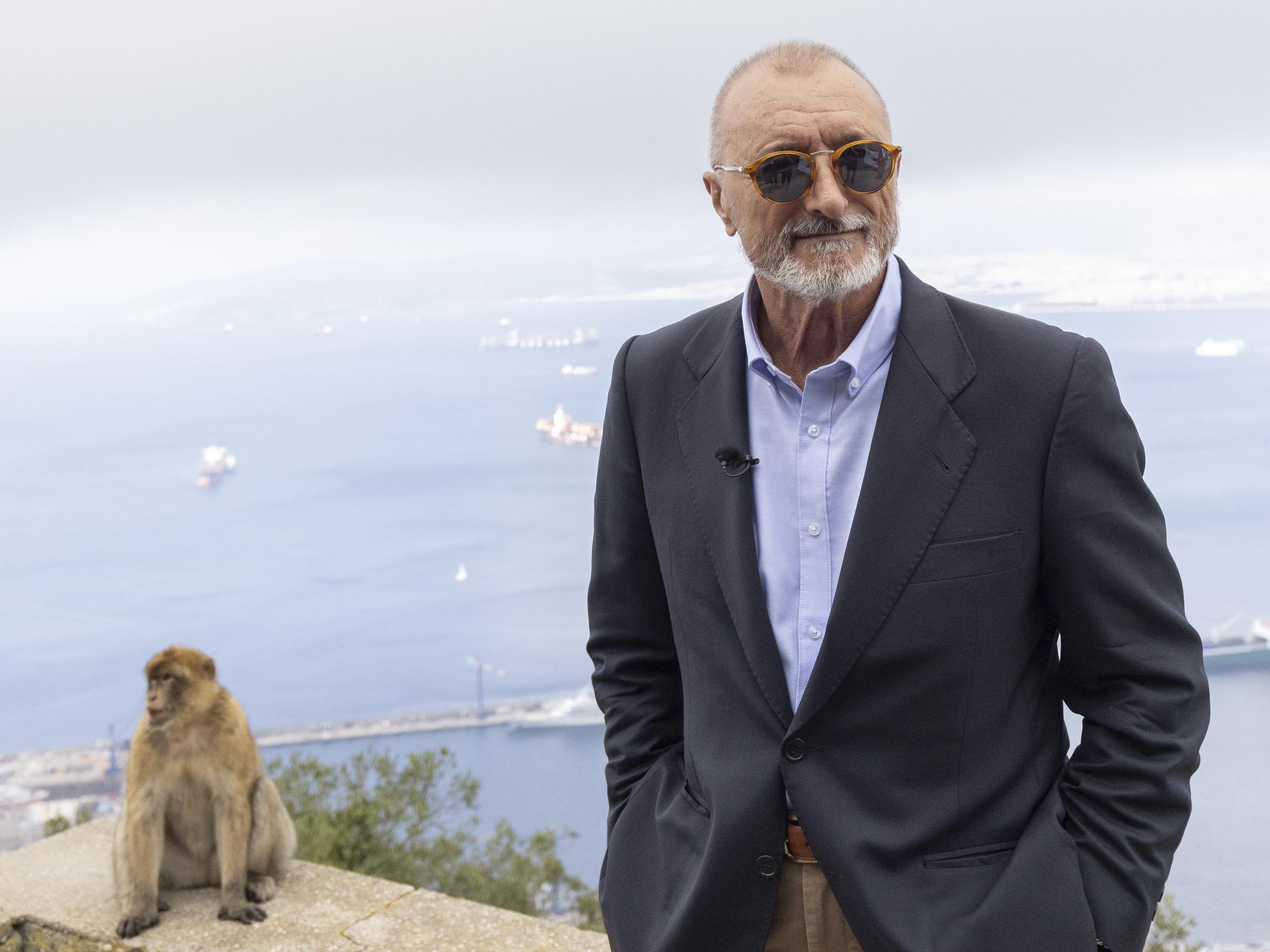 Arturo Pérez-Reverte, en Gibraltar.
