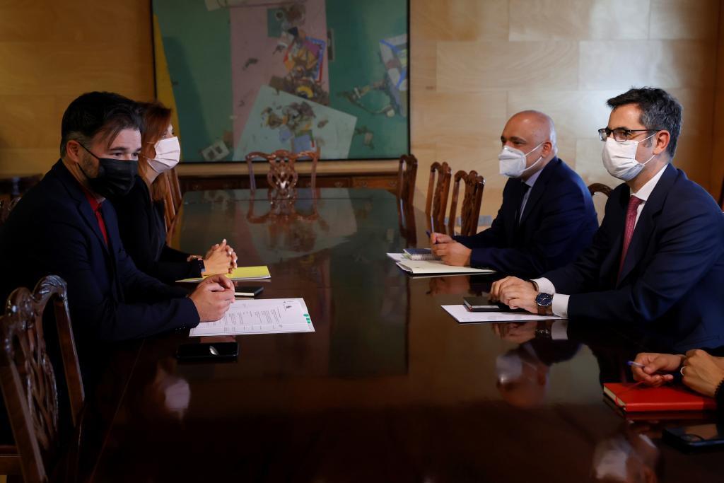 Gabriel Rufián, durante su encuentro de hoy con Félix Bolaños.