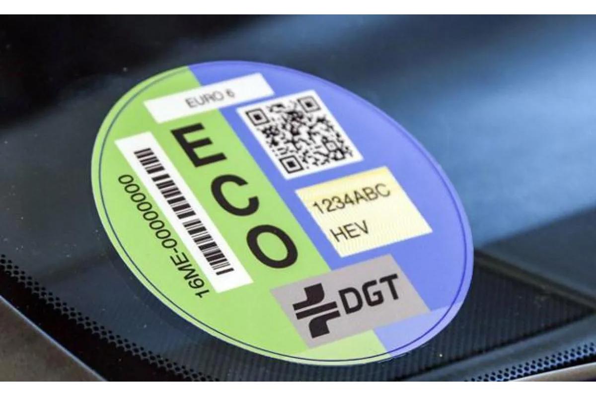 Tráfico no se da un plazo para la reforma de las etiquetas de los coches