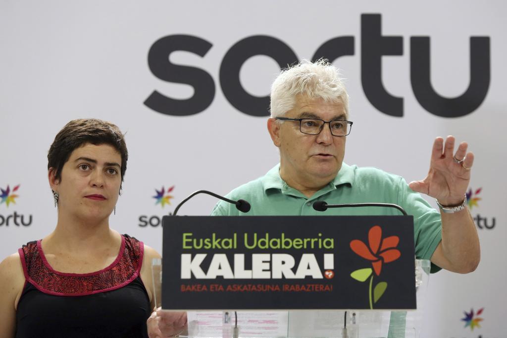 Oihana Garmendia y el etarra Antton López Ruiz 'Kubati', en 2017.