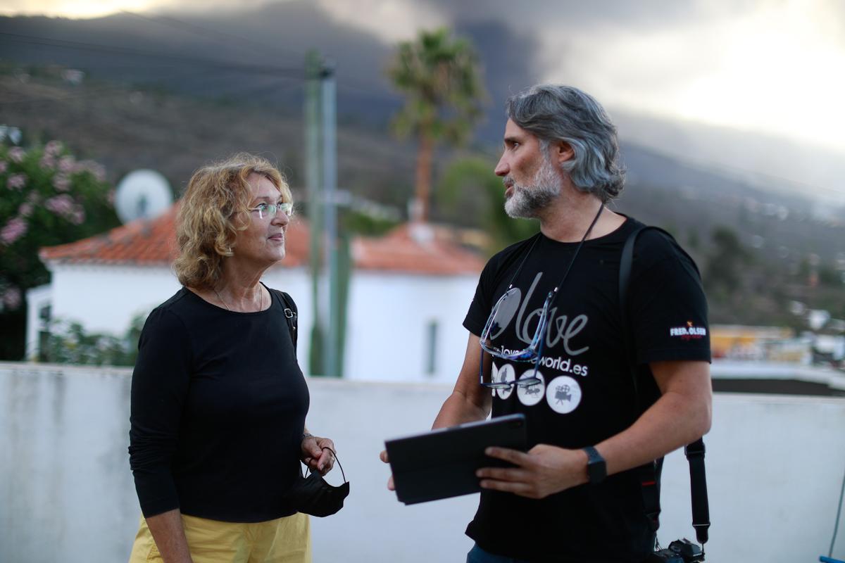 Ada Monnikendam, dueña de una empresa de construcción, y Alfonso Escalero, coordinador de la productora I Love The World, conversan sobre la casa de los Cocq.