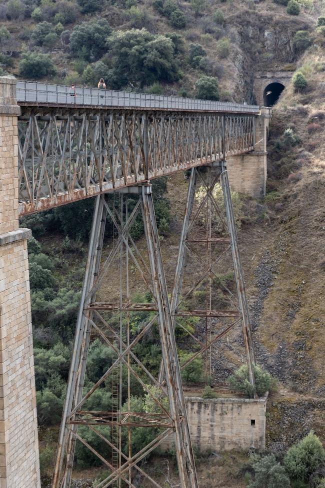Sorteando los cortados del río Águeda.
