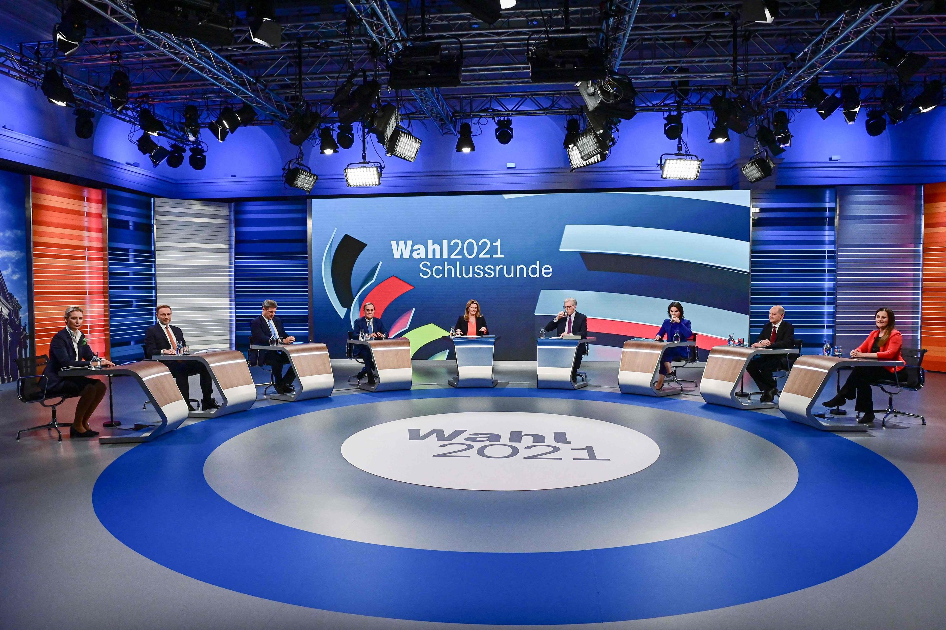 Los candidatos a la cancillería alemana, en el último debate televisado, este jueves.