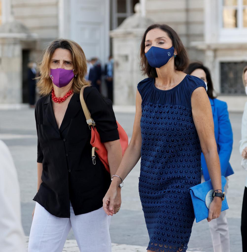 La vicepresidenta de Transición Ecológica, Teresa Ribera, y la ministra de Industria, Reyes Maroto.