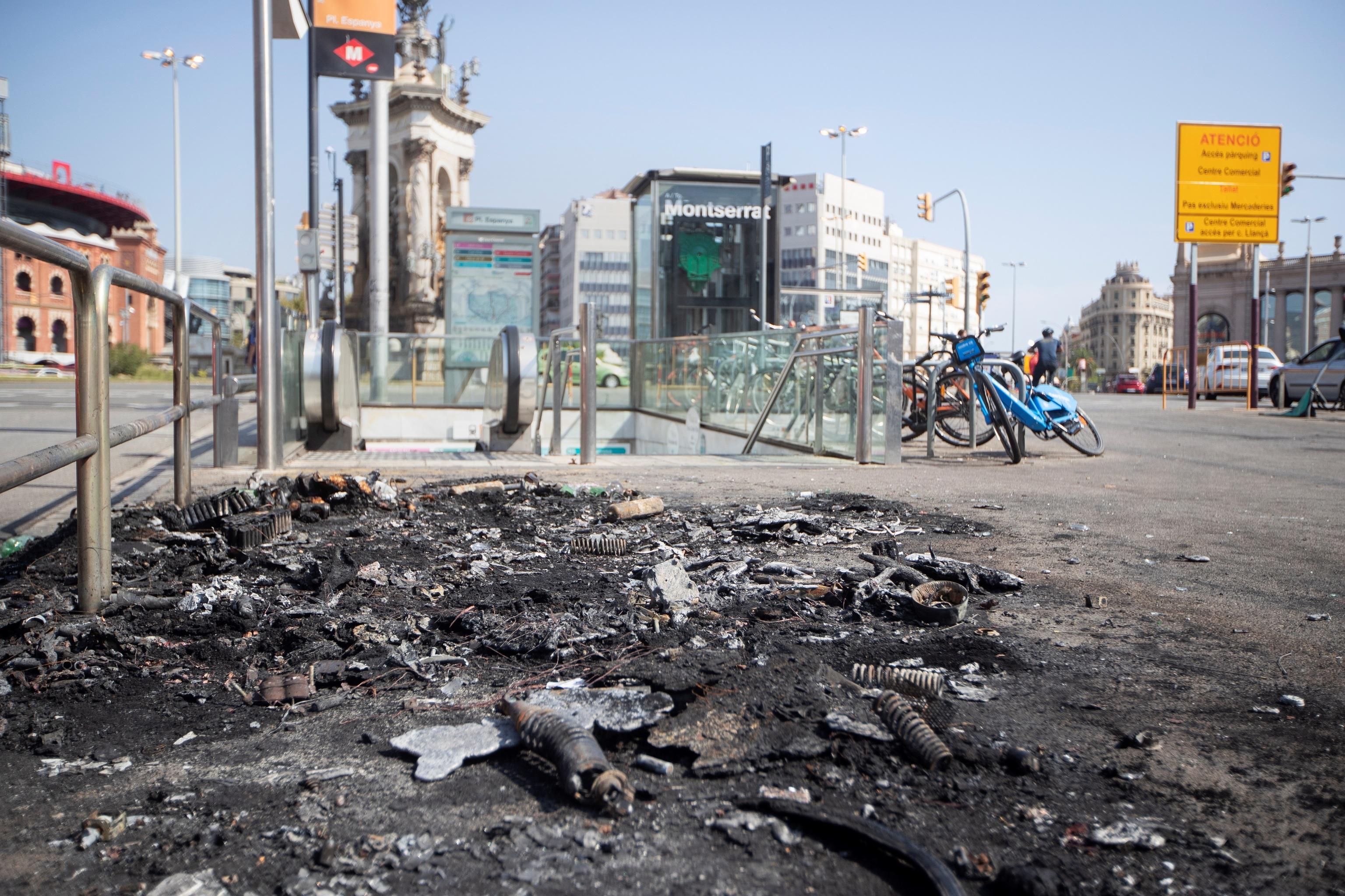 Imágenes de los destrozos en plaza España