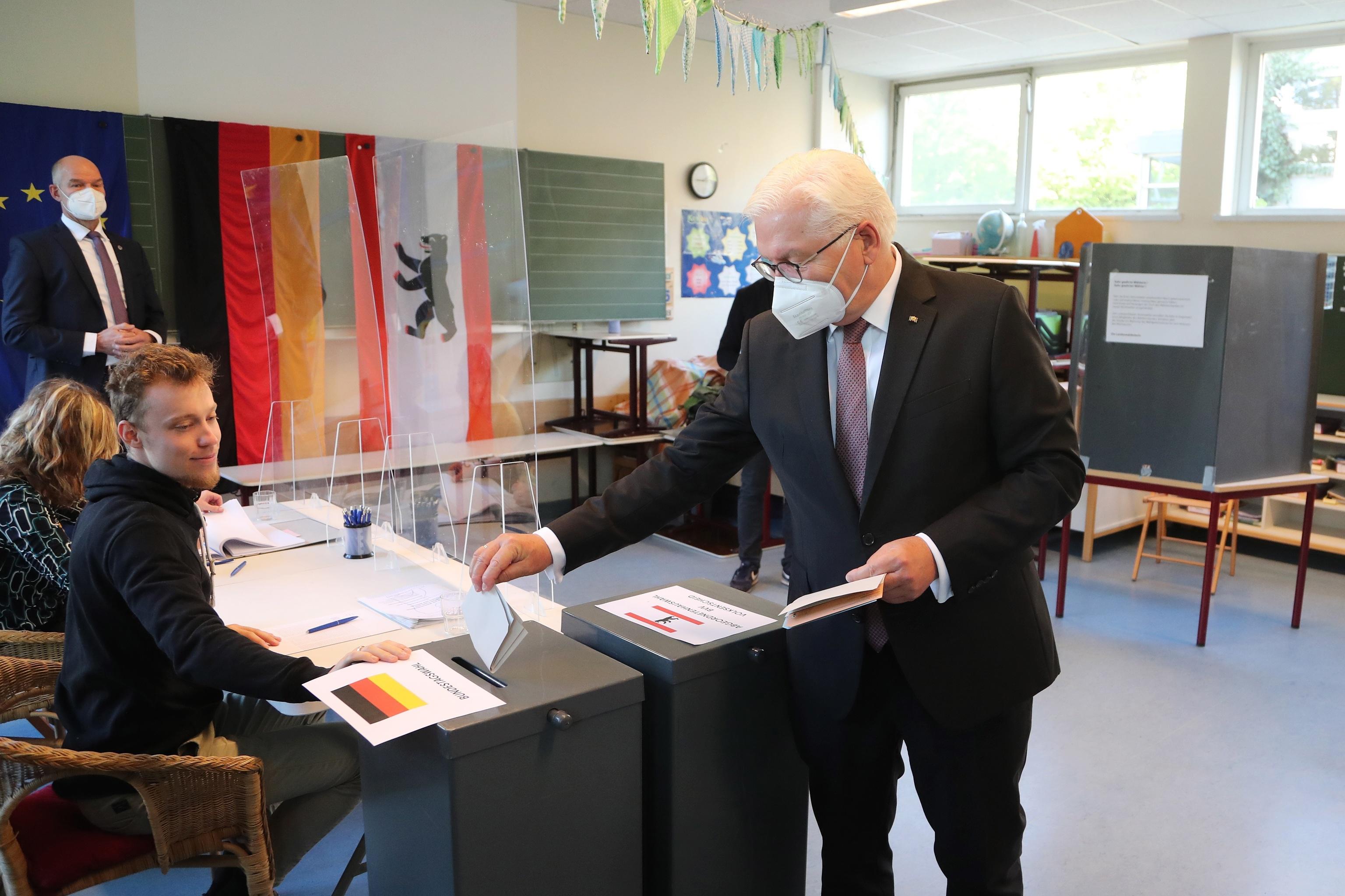 El presidente de Alemania, Frank-Walter Steinmeier, ha acudido esta mañana a votar.