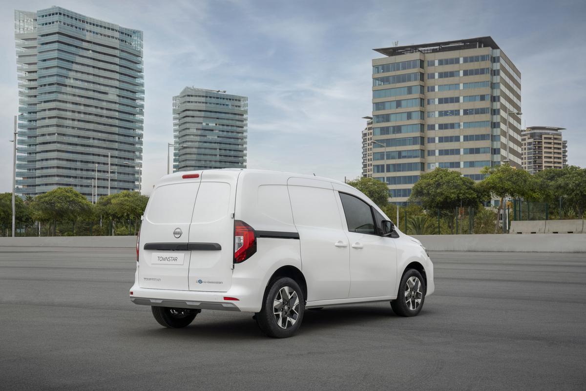 La Nissan Townstar 100% eléctrica para reparto de última milla, gran novedad de la gama comercial japonesa.