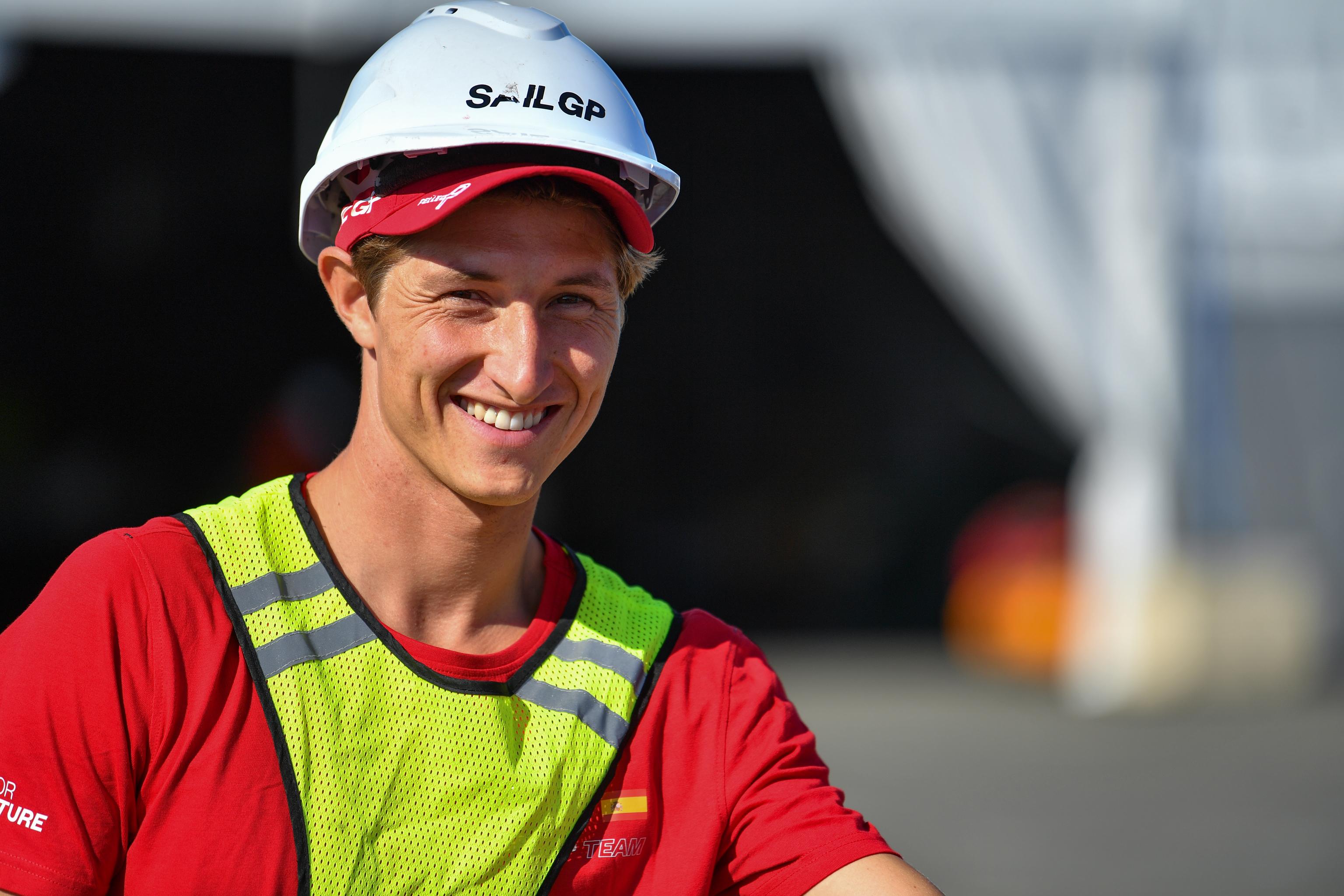 Florian Trittel haciendo trabajo de mantenimiento.