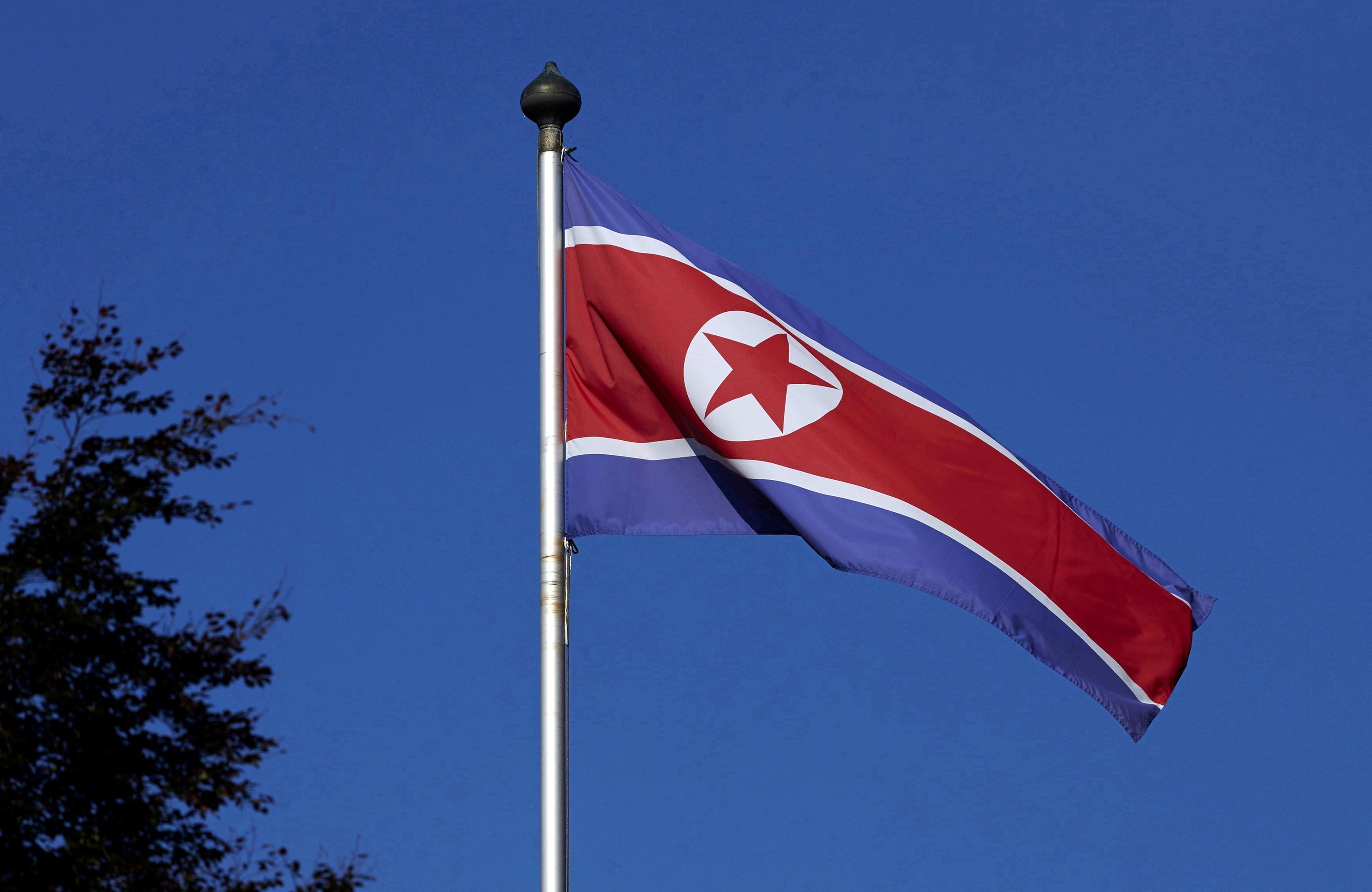 Corea del Norte lanza un misil sin identificar hacia el mar de Japón  y defiende su derecho a probar armamento