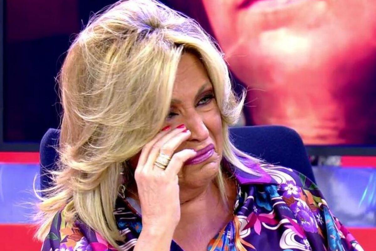 """Lydia Lozano rompe a llorar en Sálvame y abandona el plató: """"¿Qué hago yo en este programa?"""""""