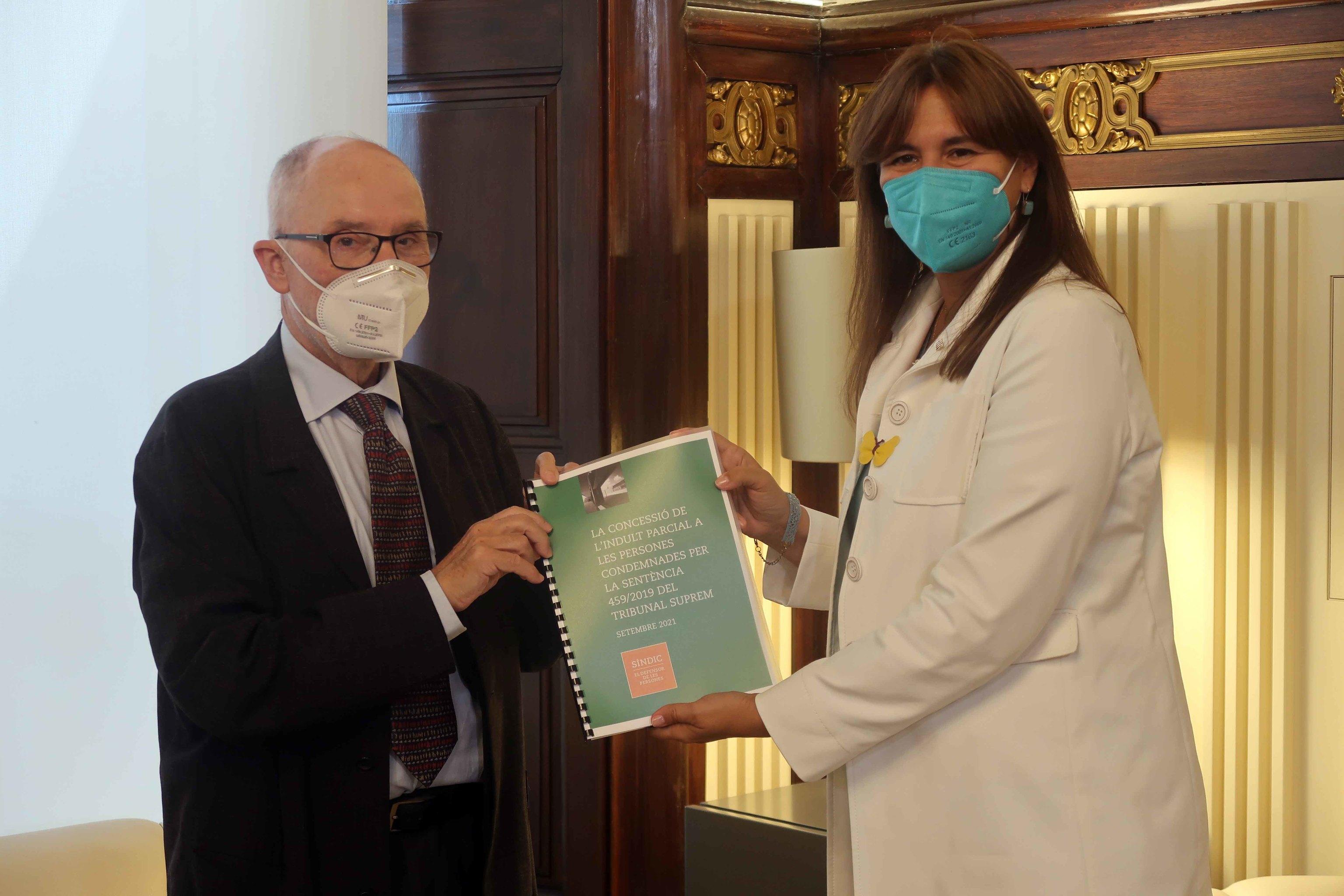Ribó entrega el informe a Borràs