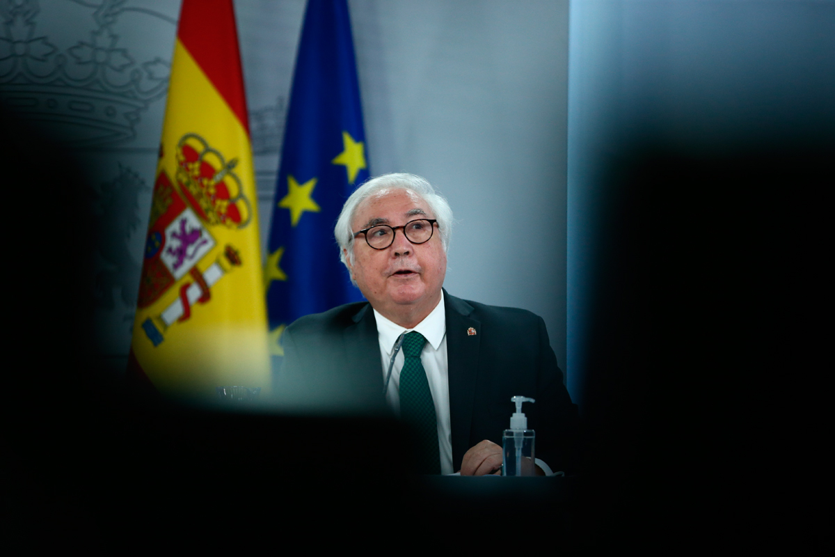 Manuel Castells, tras un Consejo de Ministros.