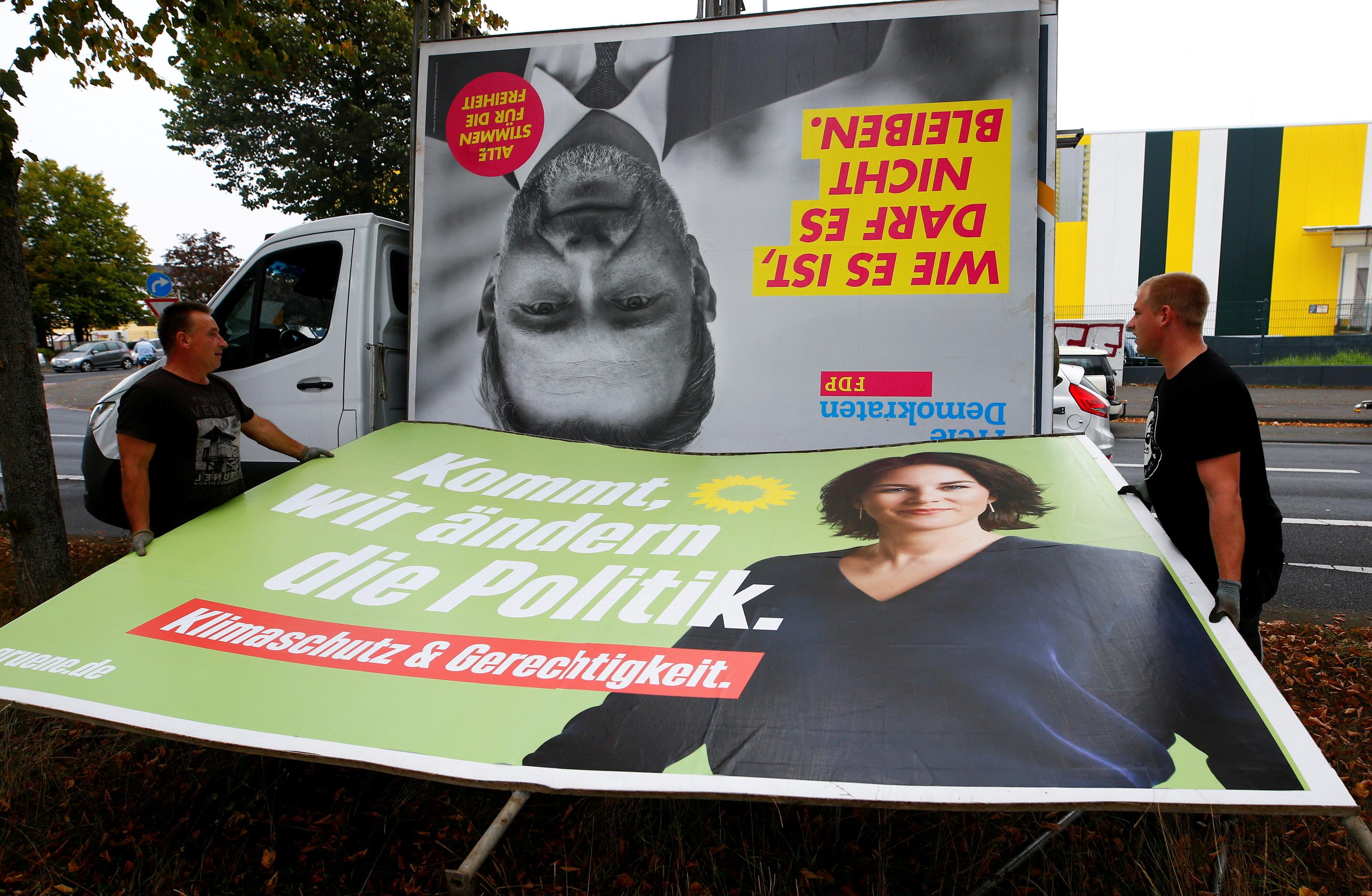 Carteles de campaña de los Verdes y liberales, en Colonia.