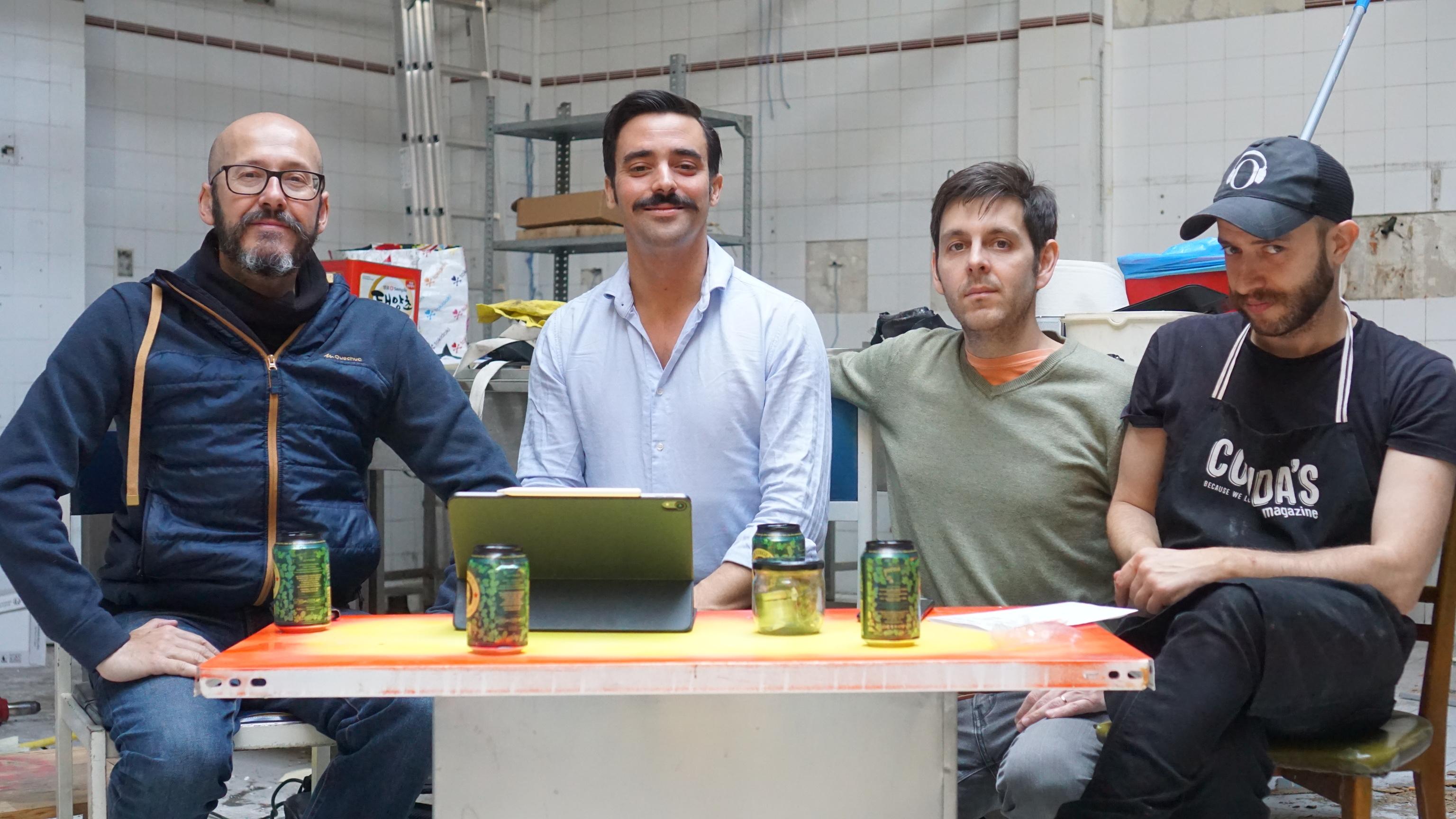 De izda a dcha.: Álex, José Miguel, Cristian y 'Txitxo', los socios.