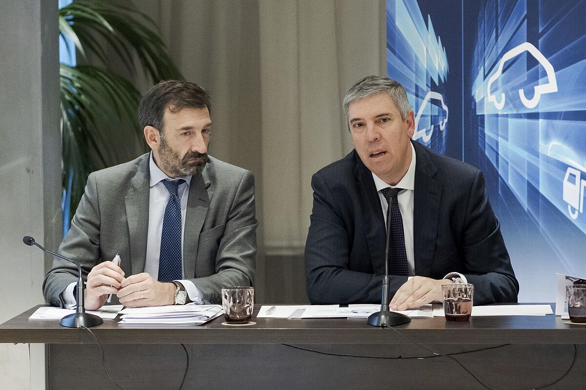 José Vicente de los Mozos (d), presidente de Anfac, y el director general de la patronal, José López-Tafall.