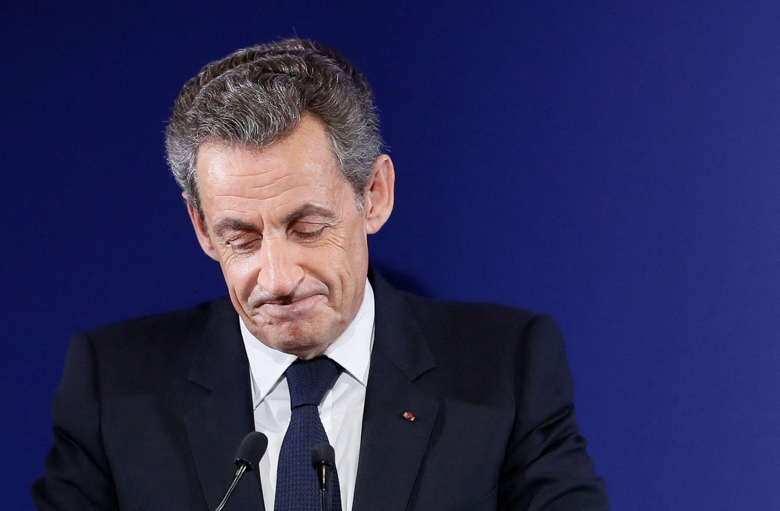 Un año de prisión con brazalete electrónico para Nicolas Sarkozy |  Internacional