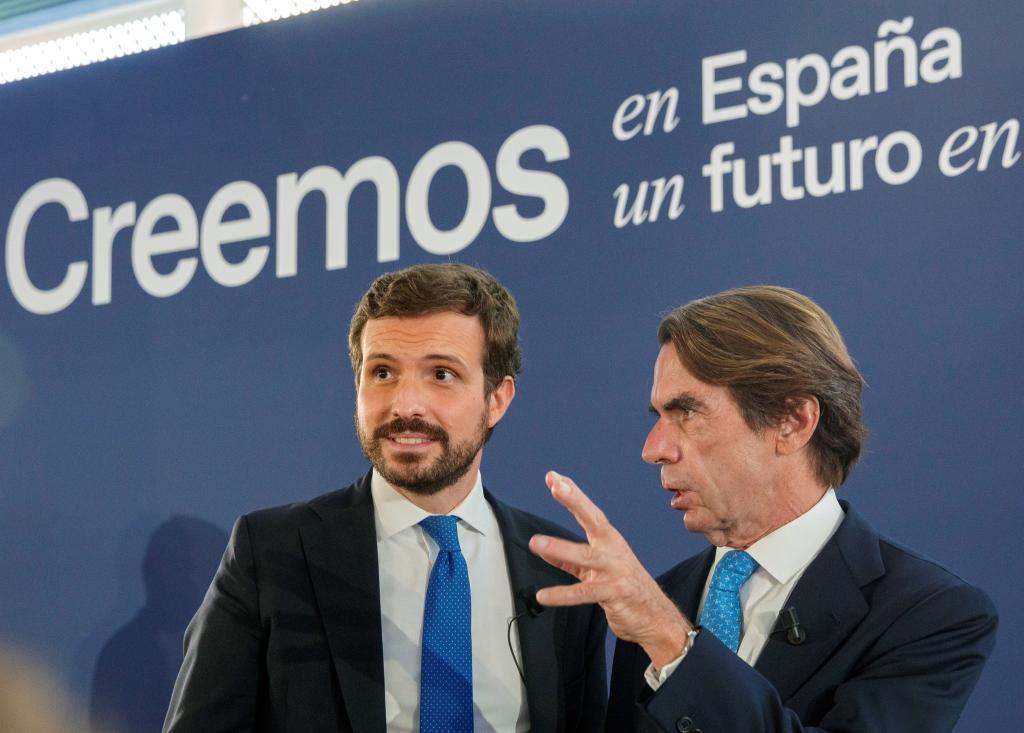 Casado y Aznar, ayer en Sevilla, en la Convención del PP.