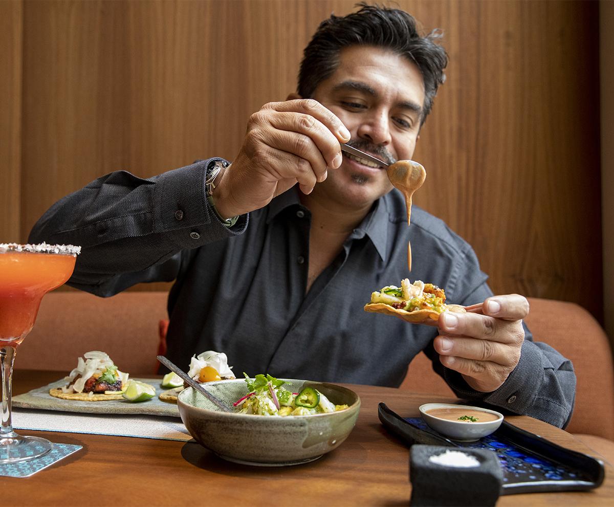 Roberto Ruiz, chef y propietario de Barracuda MX.