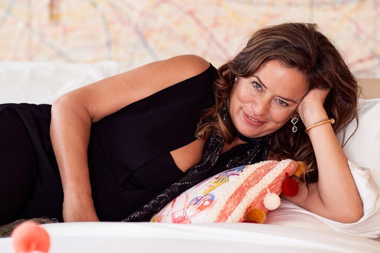 Jade Jagger posa en el hotel W Ibiza, donde ha presentado su set de coctelería que ha diseñado.