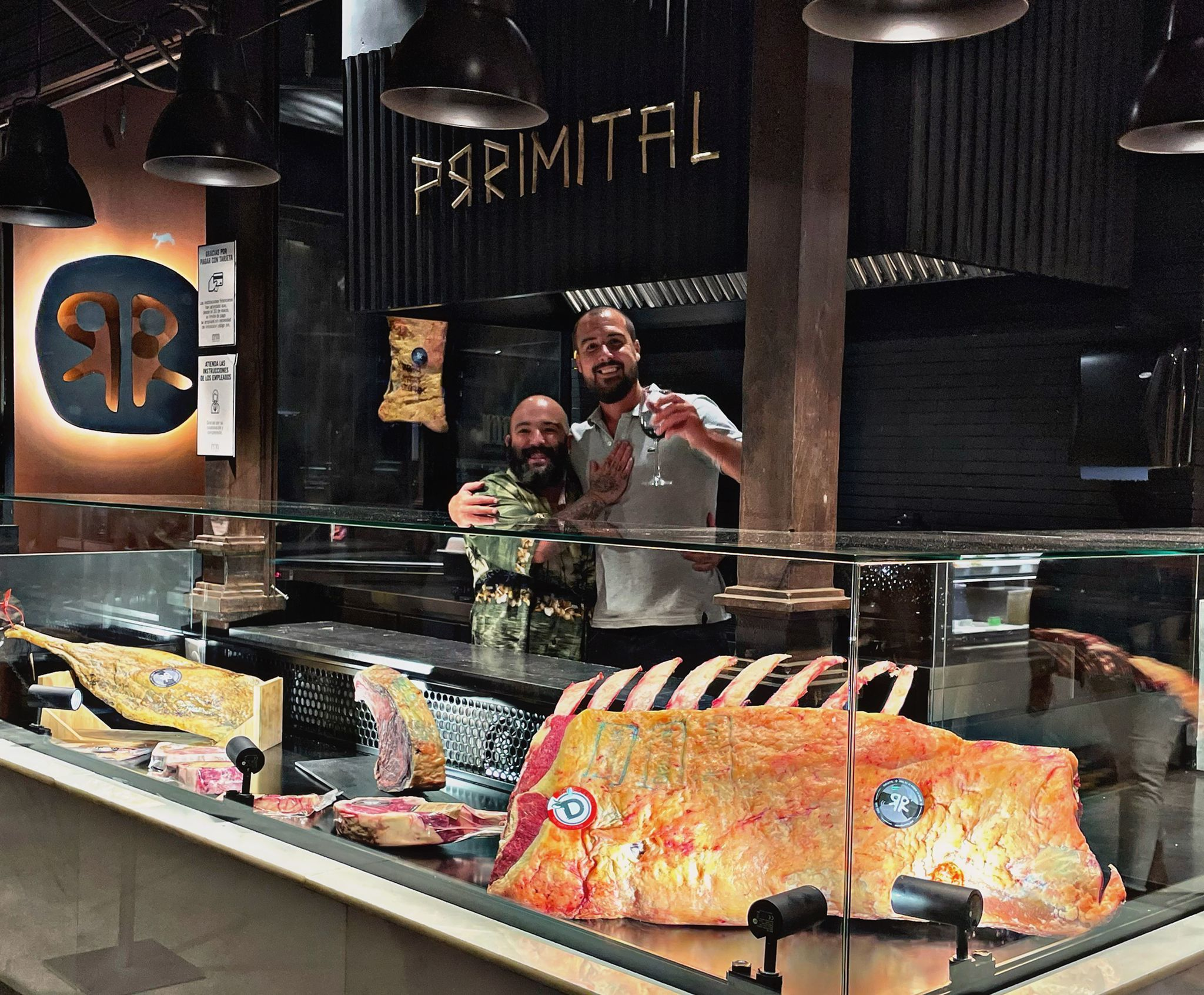 Alberto del Corral (dcha.) y el chef David Montes.