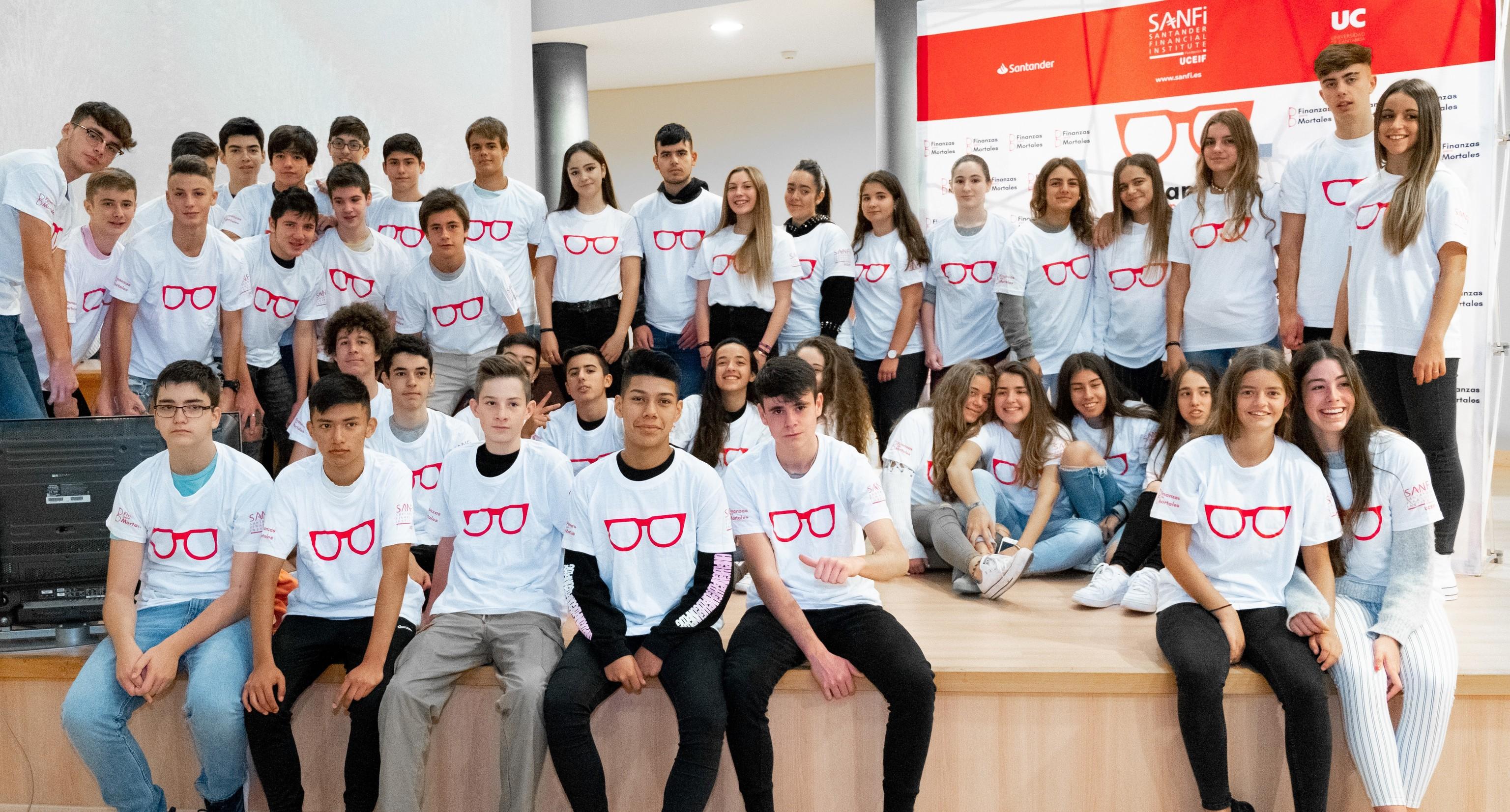 Escolares participantes en una jornada de educación financiera de 'Finanzas para Mortales'.