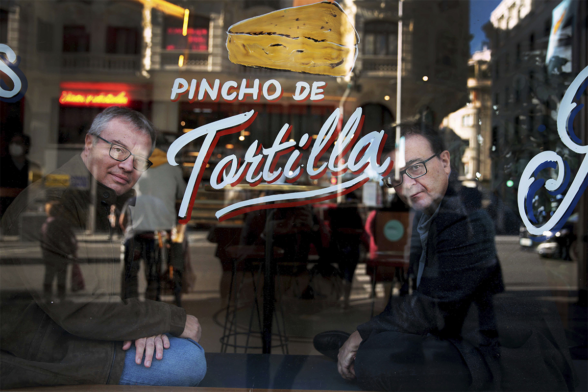 Encuentro entre Daniel Monzón y Javier Cercas en Madrid.
