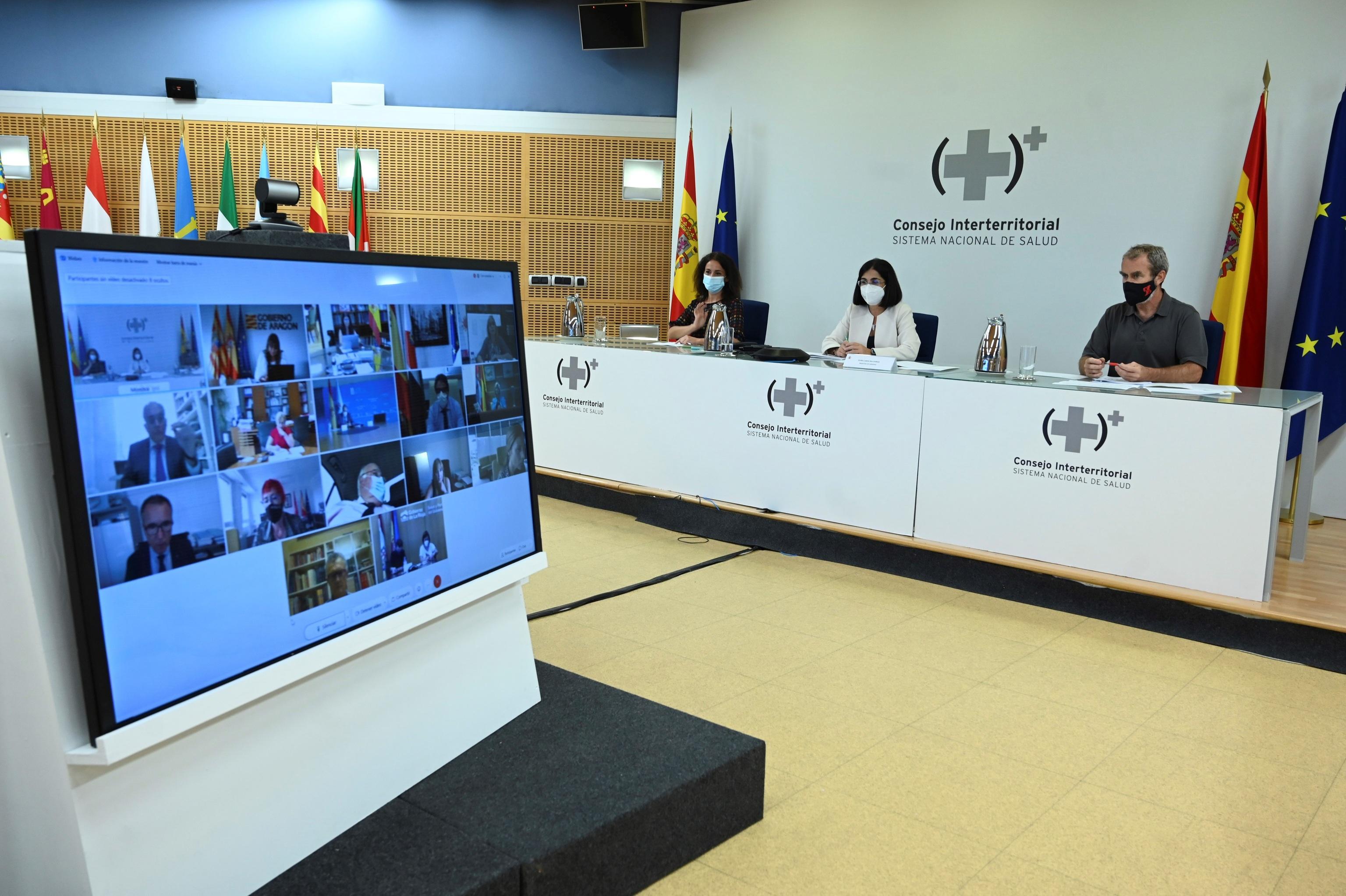 Carolina Darias preside una reunión del Consejo Interterritorial en septiembre.