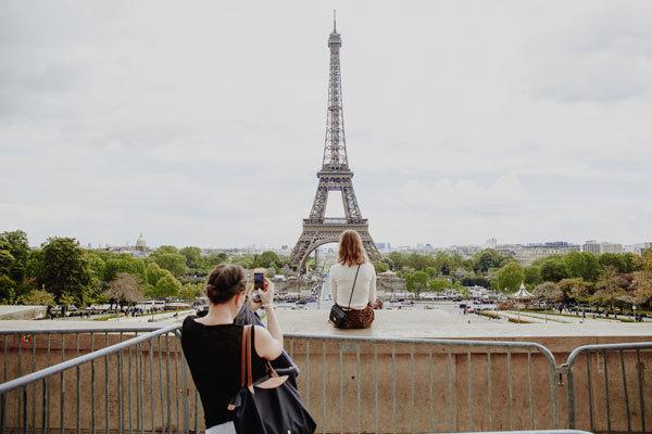 París es una de las ciudades europeas a las que mejor le sienta esta época.