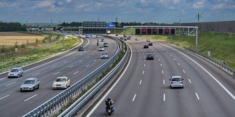 Alemania estudia eliminar las autovías sin límite de velocidad 'para proteger el medioambiente'