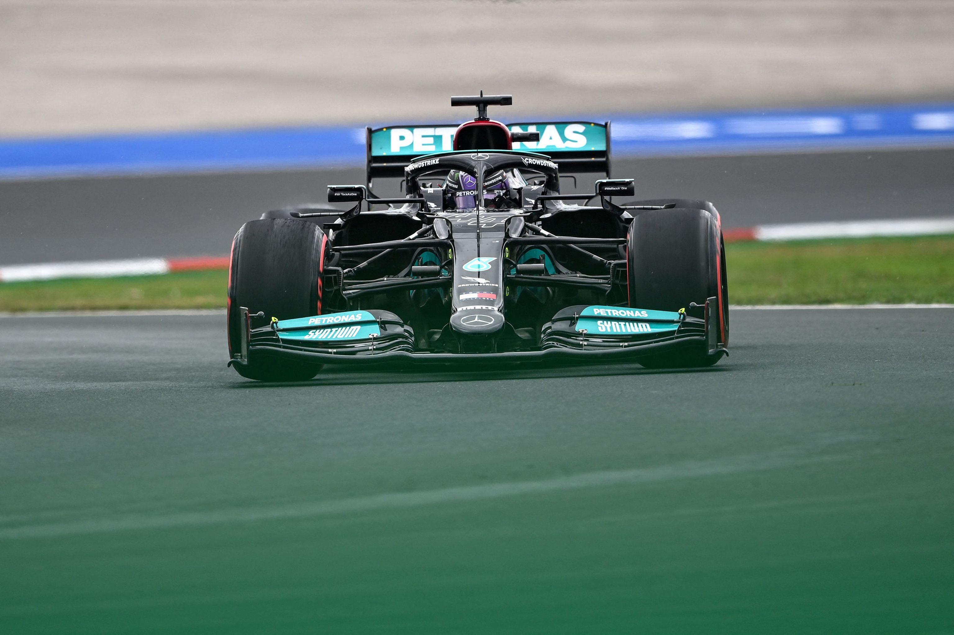 Hamilton, con el W12, el sábado en Estambul.