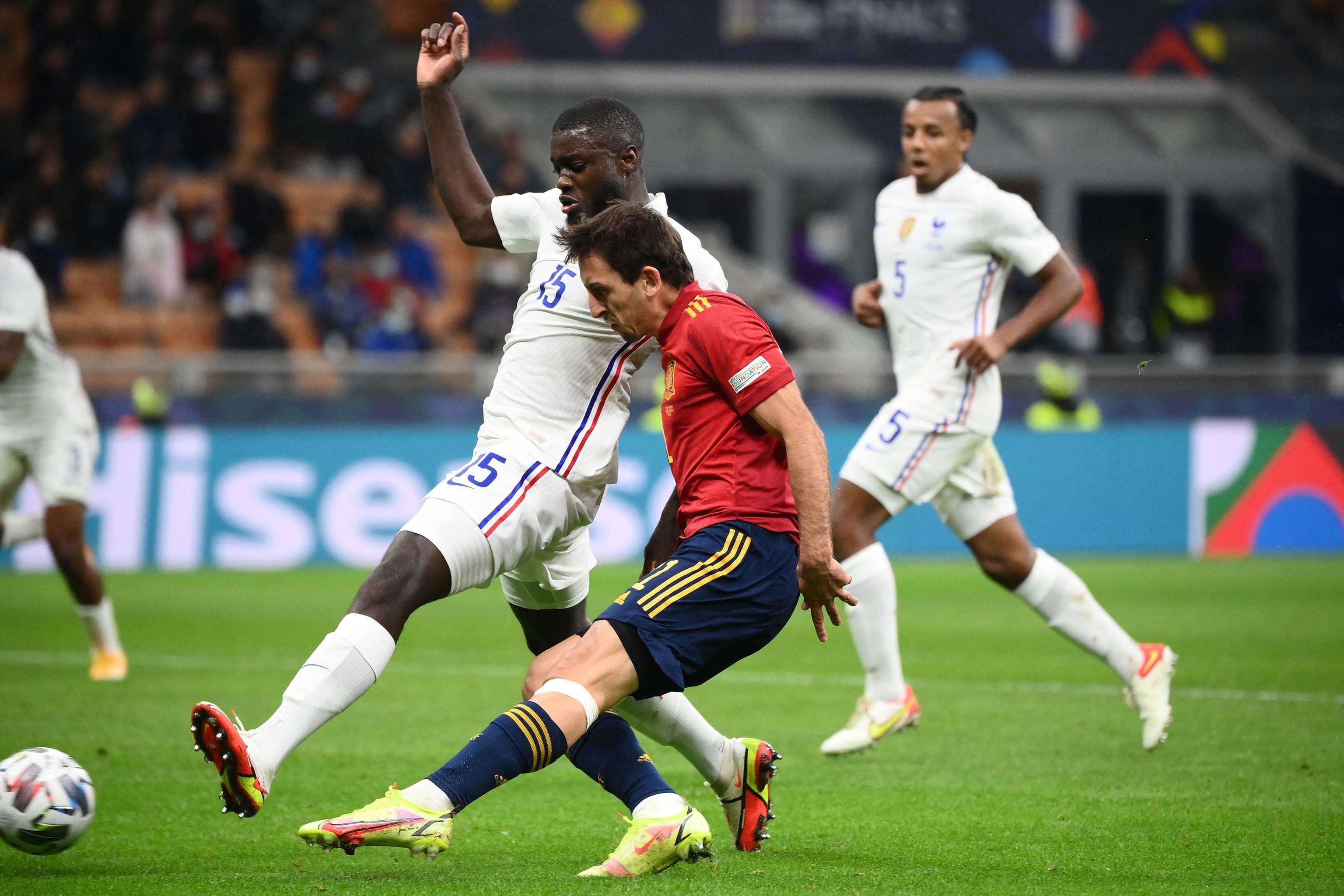 Oyarzabal, en la jugada del gol de España.