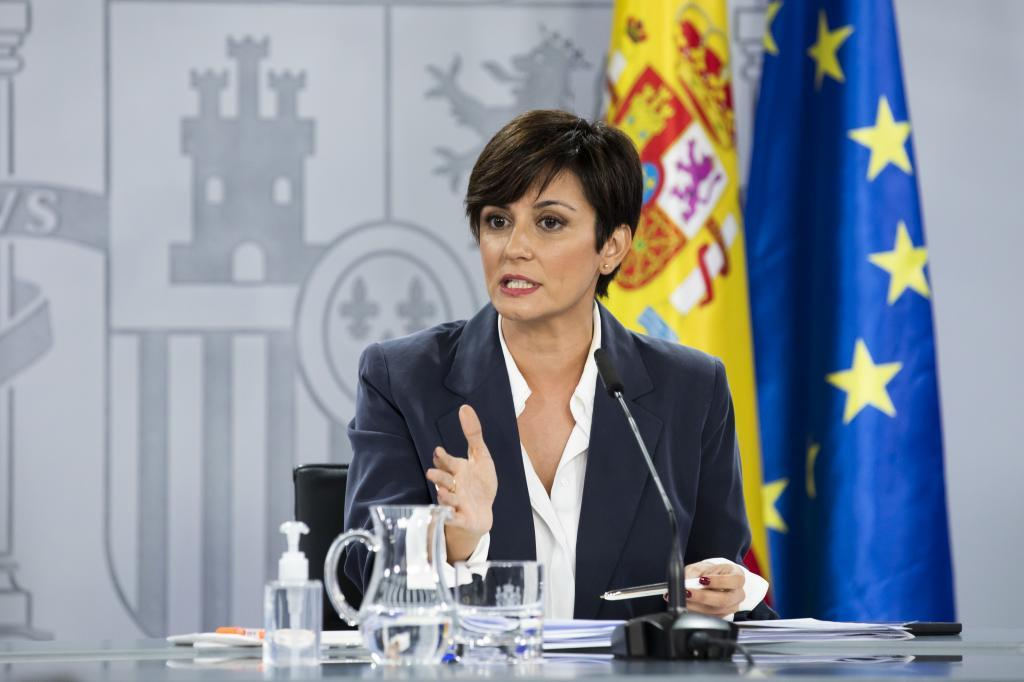 La portavoz del Gobierno, Isabel Rodríguez, ayer, durante la rudea de presa posterior al Consejo de Ministros.