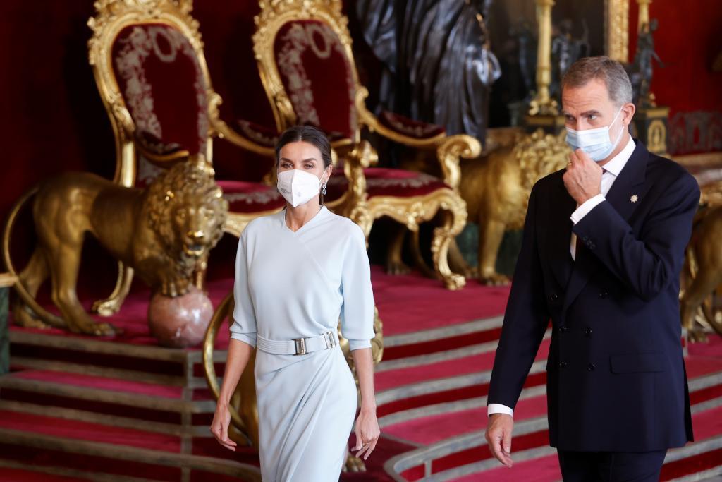 Los Reyes Felipe y Letizia, en el Salón del Trono del Palacio Real.