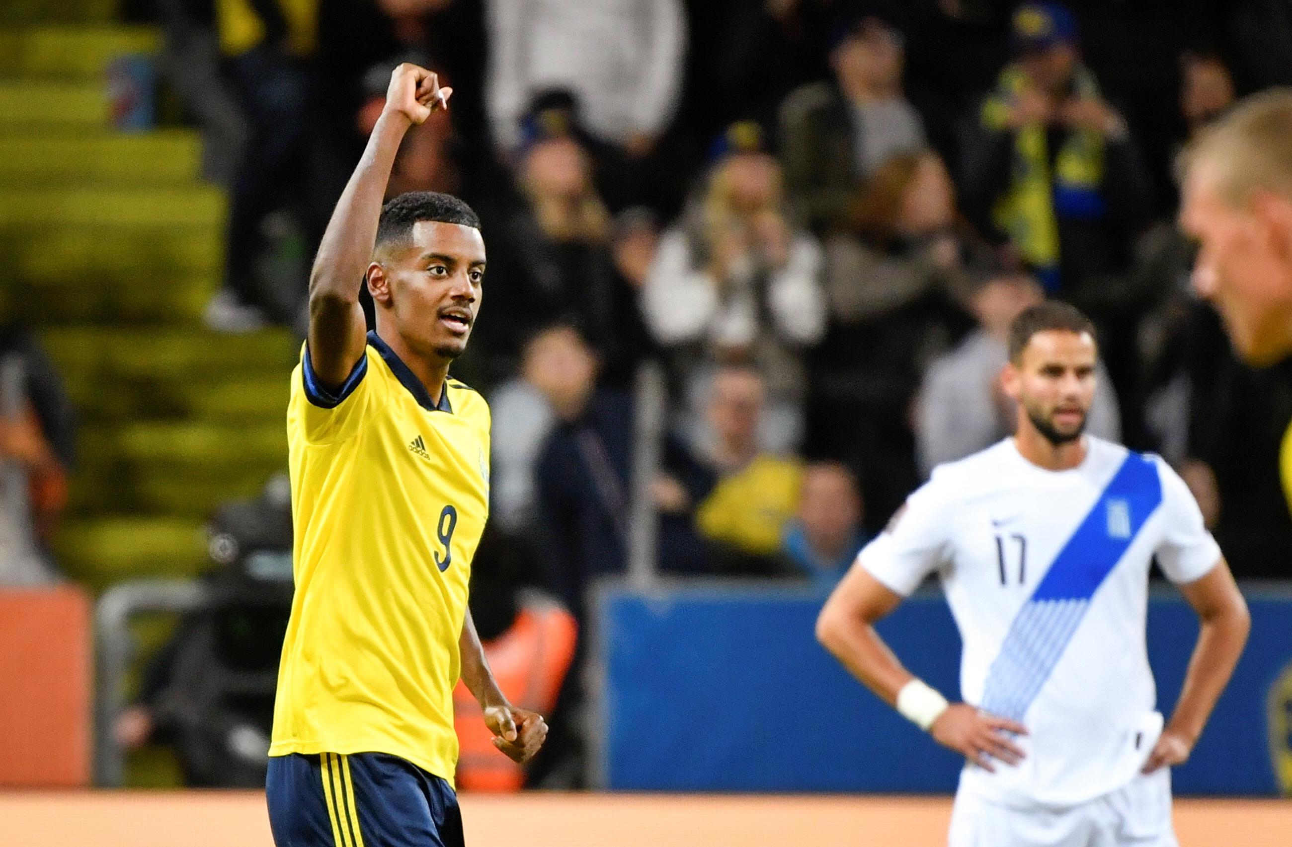 Isak celebra el segundo gol de Suecia a Grecia.