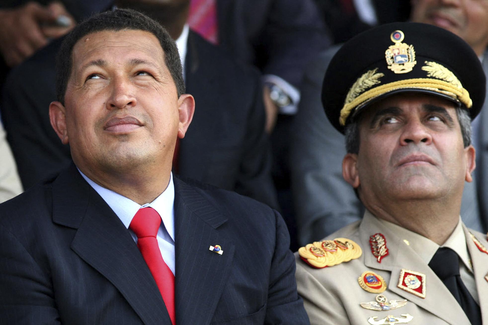 Chávez junto a Baduel en una imagen de 2006.