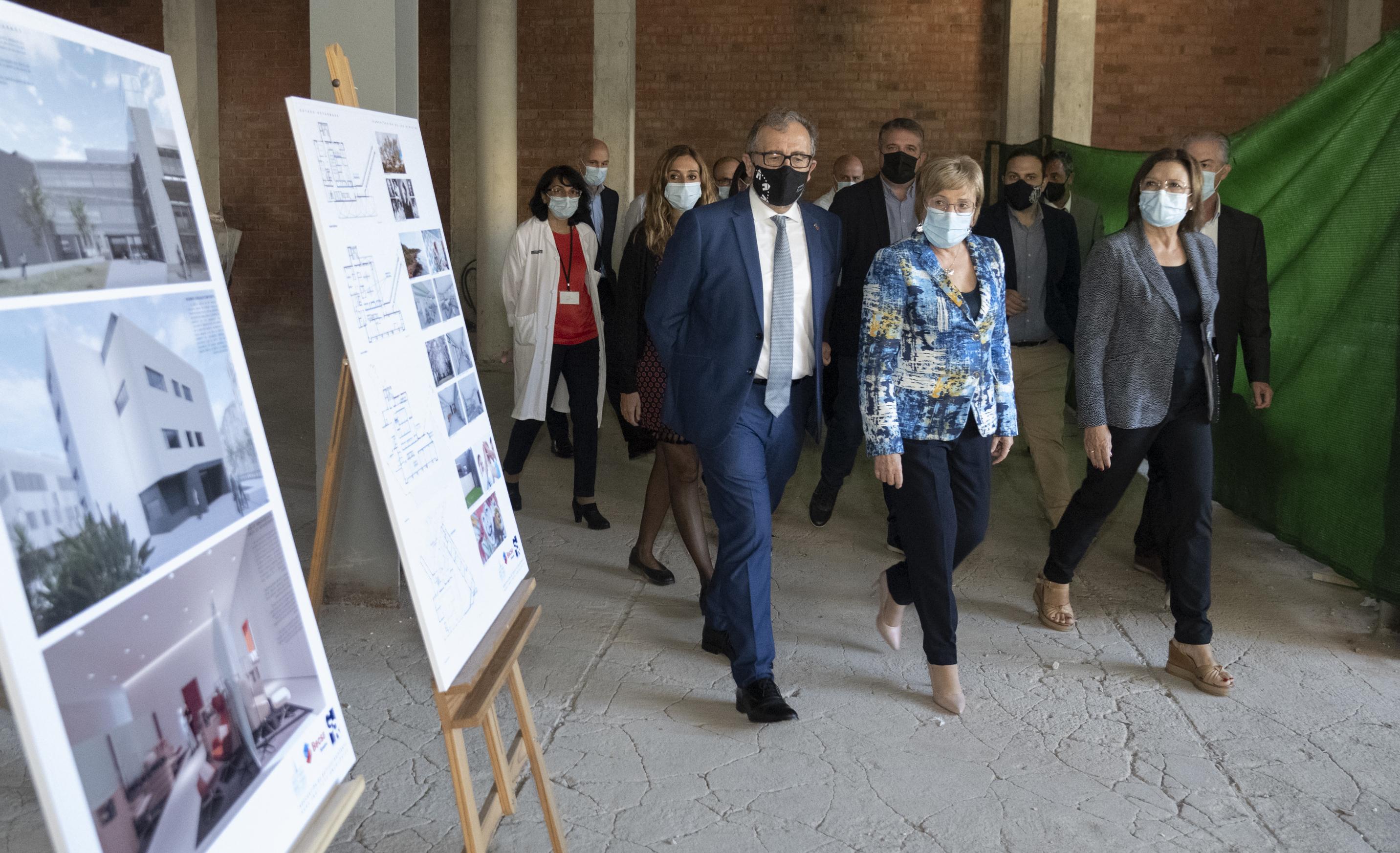 La consellera de Sanidad, Ana Barceló, ha visitado este miércoles las obras.