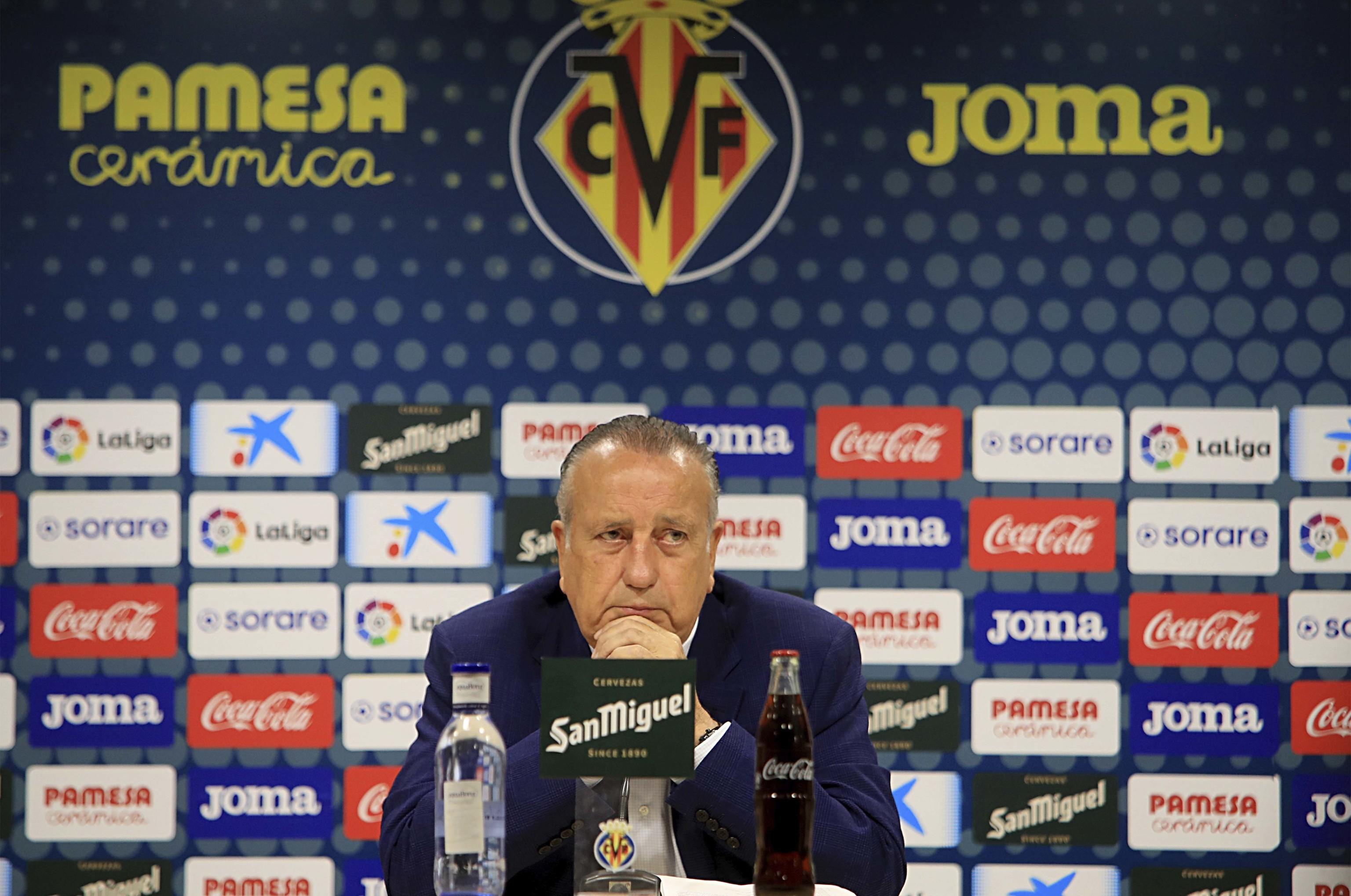 El presidente del Villarreal, Fernando Roig durante su comparecencia ante los medios en la sala de prensa del Estadio de la Cerámica.