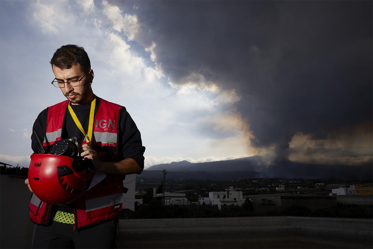 """Edu, el joven astrofísico que ausculta el corazón del volcán: """"Estamos viendo sólo un segundo de un proceso de millones de años"""""""