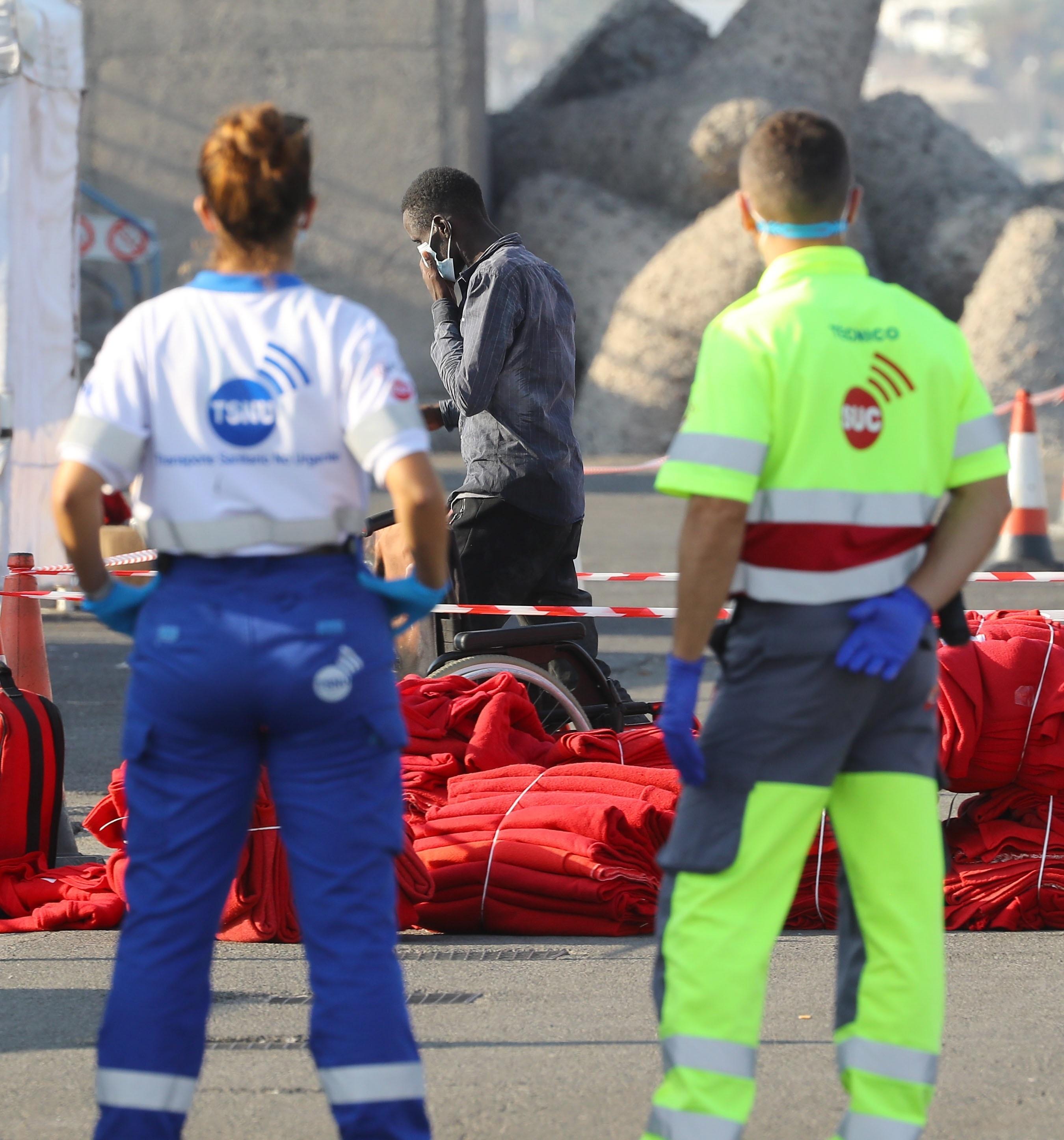 Hallan los cuerpos de cuatro de los 21 inmigrantes desaparecidos cerca de las costas de Cádiz