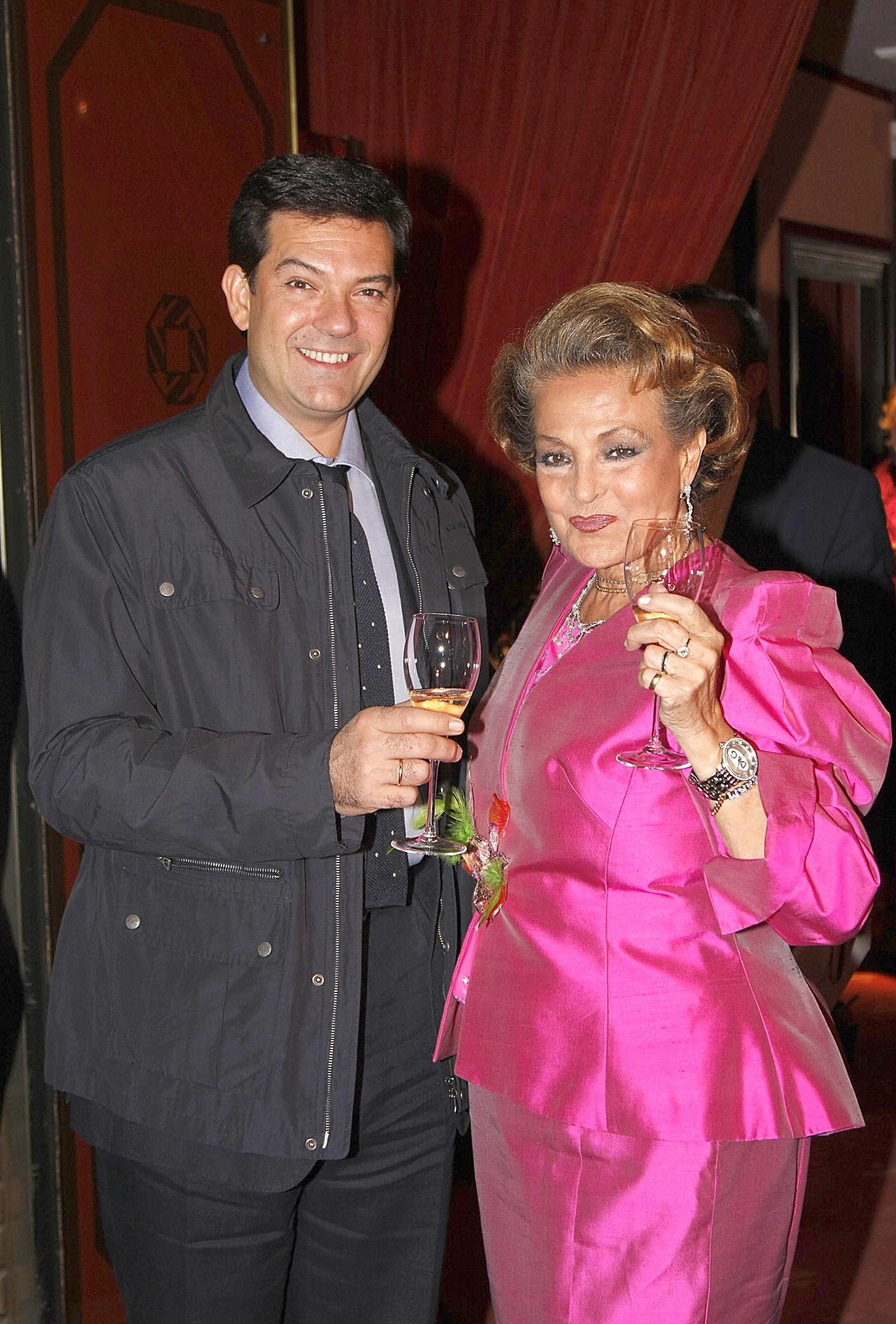 Carmen Sevilla y su hijo, Augusto Algueró, en el 79 cumpleaños de la actriz.