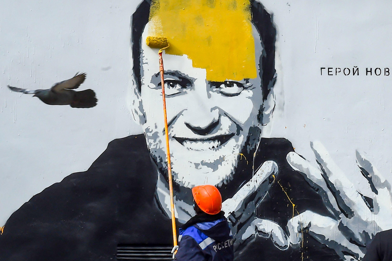 Mural de Navalny en San Petersburgo.