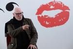 Malcolm McDowell recuerda cuando Franco nos dejó ver 'La naranaja mecánica' el año de su muerte