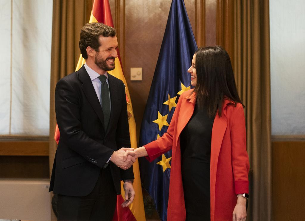Pablo Casado e Inés Arrimadas, en una reunión en febrero de 2020.
