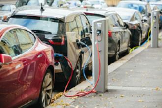 Por qué debes comprarte un coche electrico