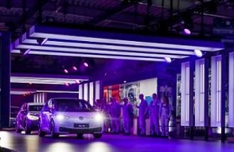 Sin CO2: así se trabaja en una fábrica de coches eléctricos que no contamina